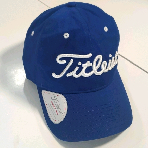 TITLEIST (NWT) Magnetic Field  Cap